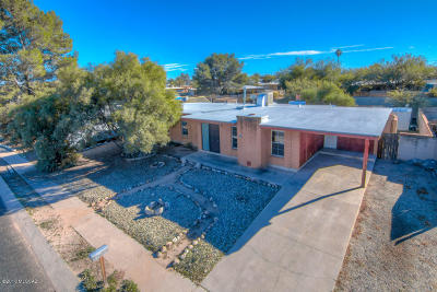 Pima County, Pinal County Single Family Home Active Contingent: 7430 E Brooks Drive