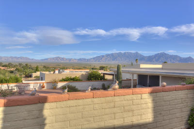 Green Valley Townhouse Active Contingent: 980 W Camino Sagasta