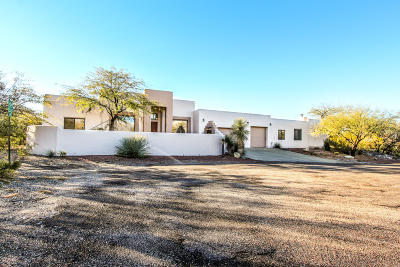 Pima County, Pinal County Single Family Home For Sale: 9060 E Indian Bend Road