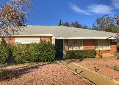 Single Family Home Active Contingent: 4815 E Cecelia Street