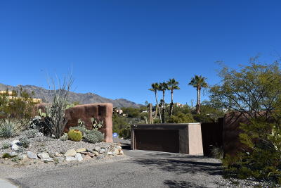 Tucson Single Family Home Active Contingent: 5300 N Swan Road