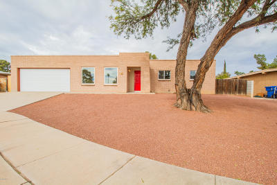 Pima County, Pinal County Single Family Home Active Contingent: 7831 E Longleaf Place