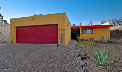 Pima County, Pinal County Single Family Home Active Contingent: 3710 E Calle Cortez
