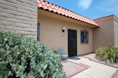 Pima County, Pinal County Townhouse For Sale: 924 S Pantano Road
