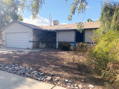 Tucson Single Family Home For Sale: 5861 N Belbrook Drive