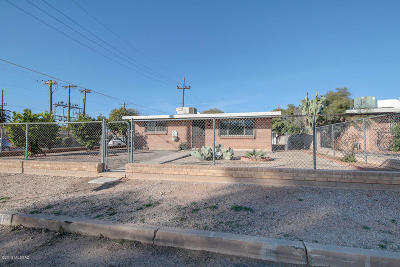 Tucson Single Family Home For Sale: 2201 E Hedrick Drive