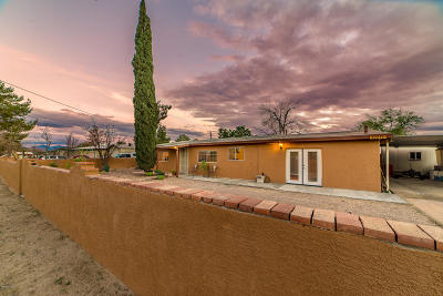 Marana Single Family Home Active Contingent: 12211 W Hinton Street