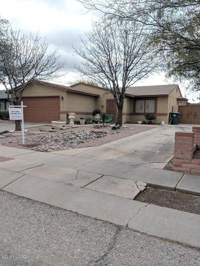 Pima County Single Family Home For Sale: 1724 W Greenleaf Drive