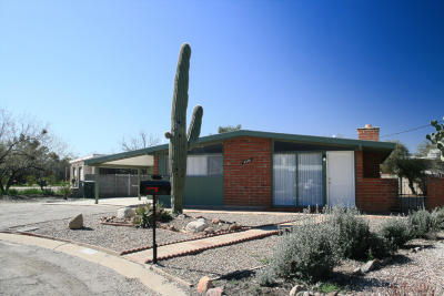 Pima County Single Family Home Active Contingent: 4301 N Stanley Place