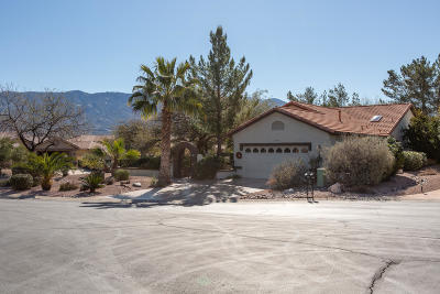 Single Family Home Active Contingent: 63859 E Canyon Side Court