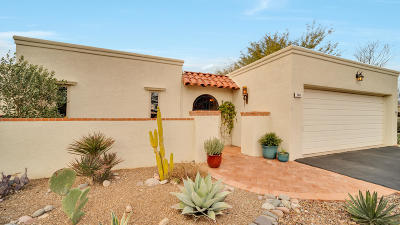 Pima County, Pinal County Townhouse Active Contingent: 7211 E Camino Valle Verde