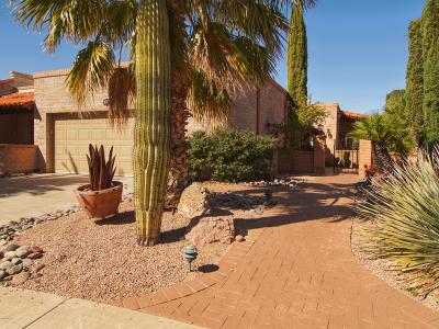 Green Valley Townhouse For Sale: 724 W Desert Hills Drive