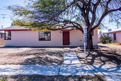 Single Family Home Active Contingent: 4442 E 16th Street