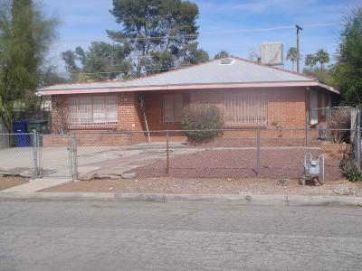 Single Family Home For Sale: 1715 E Miles Street