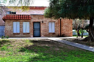Pima County, Pinal County Townhouse Active Contingent: 6656 E Calle La Paz #A