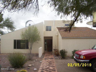 Single Family Home Active Contingent: 4840 N Valley View Road