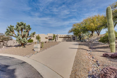 Oro Valley Single Family Home Active Contingent: 10750 N Sundust Court