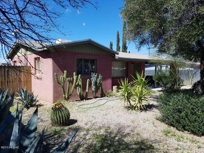 Single Family Home For Sale: 2553 N Dodge Boulevard