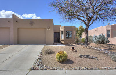 Green Valley Townhouse Active Contingent: 259 N Running Spring Drive