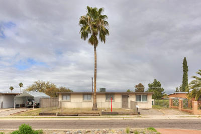 Tucson Single Family Home Active Contingent: 6539 E Stella Road