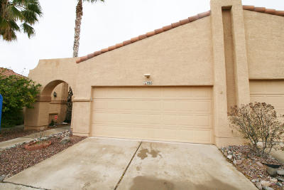 Pima County, Pinal County Townhouse Active Contingent: 704 W Sun Light Lane