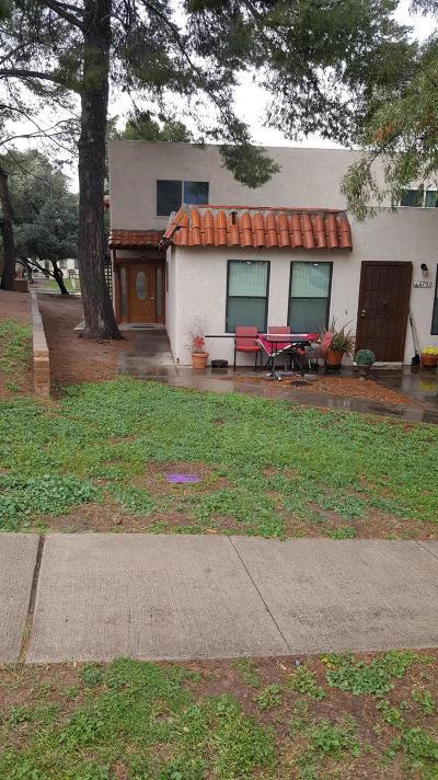 Tucson Condo Active Contingent: 6702 E Calle La Paz #B