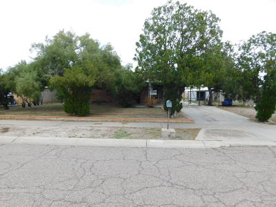 Catalina, Corona De Tucson, Green Valley, Marana, Oro Valley, Sahuarita, South Tucson, Tucson, Vail Single Family Home Active Contingent: 6451 E Calle Mercurio
