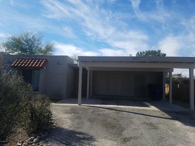 Pima County, Pinal County Townhouse For Sale: 9642 E Laurel Ridge Drive