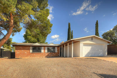 Tucson Single Family Home Active Contingent: 8933 E Pine Valley Drive