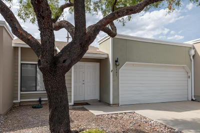 Tucson Townhouse For Sale: 6341 N Willowbrook Drive