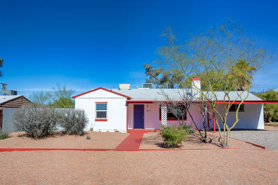 Single Family Home For Sale: 2541 E Seneca Street