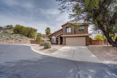 Villages Of La Canada (The) Single Family Home For Sale: 10320 N Oak Knoll Lane