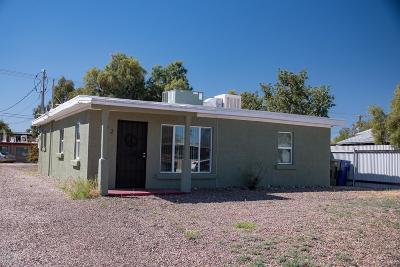 Single Family Home Active Contingent: 732 E Elm Street