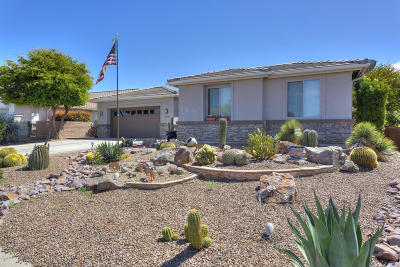 Green Valley Single Family Home Active Contingent: 2490 E Ensign Way