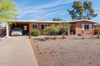 Tucson Single Family Home For Sale: 2021 E La Madera Drive
