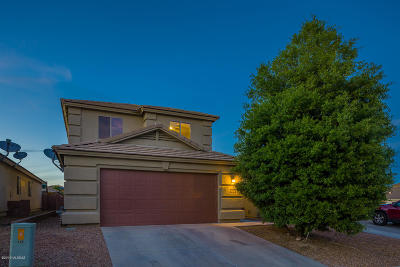Green Valley Single Family Home Active Contingent: 746 W Firehawk Drive