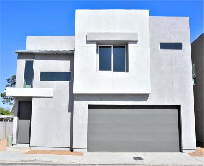 Single Family Home For Sale: 2810 N Fair Oaks Avenue
