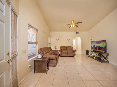 Tucson Single Family Home Active Contingent: 2977 W Laquila Aerie