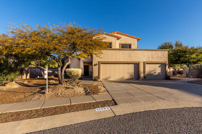 Single Family Home Active Contingent: 11065 E Blue Grama Drive