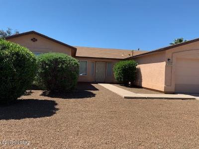 Tucson Single Family Home For Sale: 10008 E Moonstruck Way