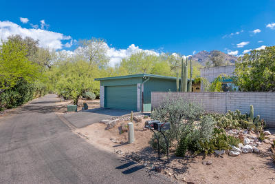 Pima County Townhouse For Sale: 8275 N Mesquite Shadows Drive