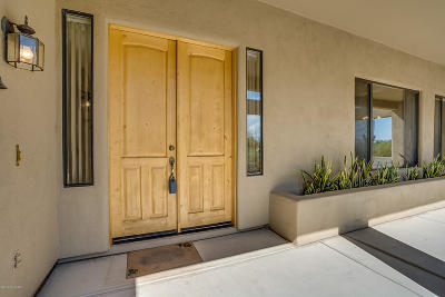 Tucson Single Family Home For Sale: 1581 N Coral Bells Drive
