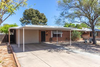 Single Family Home Active Contingent: 5637 E Rosewood Street