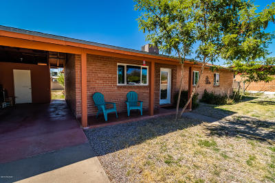 Pima County Single Family Home Active Contingent: 2203 N Flores Drive