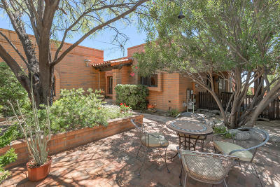 Pima County, Pinal County Townhouse For Sale: 5417 N Via Sempreverde