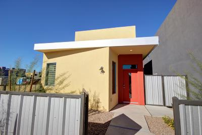 Single Family Home For Sale: 840 E Park Modern Drive