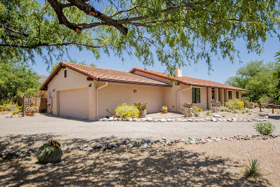 Tucson Single Family Home For Sale: 5720 N Moccasin Trail