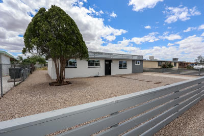 Pima County Single Family Home Active Contingent: 1740 E Oregon Street