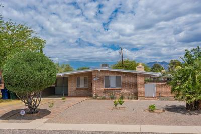 Single Family Home For Sale: 4401 E Poe Street