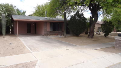 Pima County Single Family Home Active Contingent: 3030 W Lavonne Drive